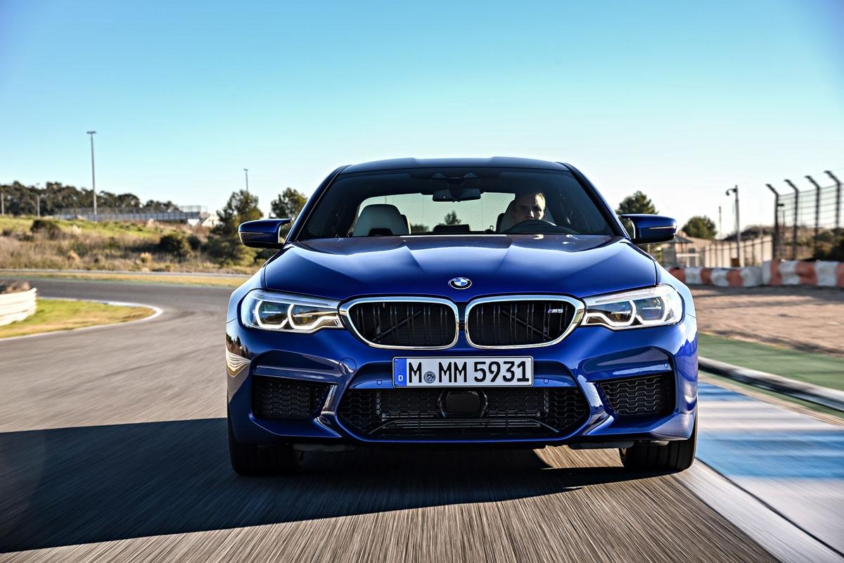 Новый седан BMW M5 Competition: мощнее излее