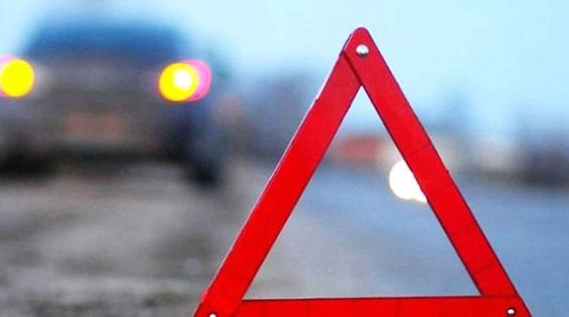 На стоянке вБрянске столкнулись три авто— пострадала пассажирка