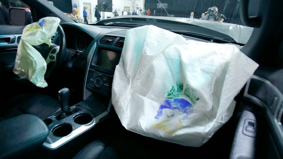Власти США подали всуд на производителей автомобилей из-за дефектных подушек безопасности