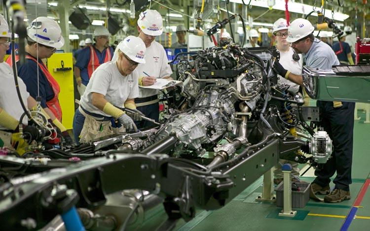 Петербургский автопром весной вырос на23%