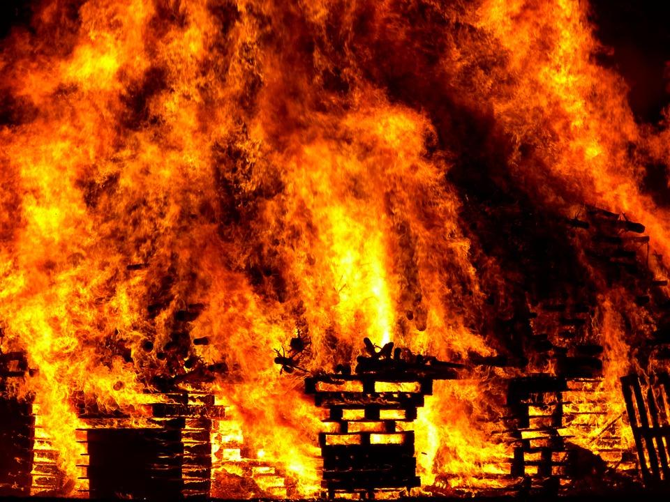ВНижегородской области женщина погибла напожаре из-за неосторожности нетрезвого мужчины