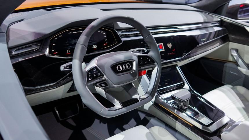 Автомобильные шпионы показали салон нового кроссовера Ауди Q8