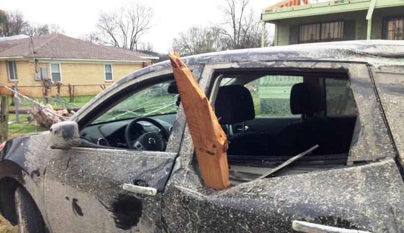 В столице России началась массовая распродажа авто, пострадавших в итоге грозы иурагана