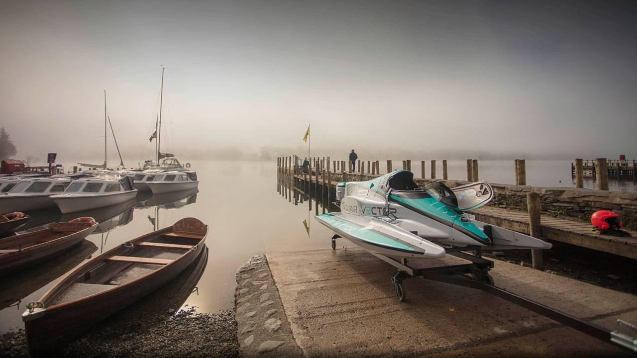 Jaguar установил рекорд скорости наводе для электрических лодок