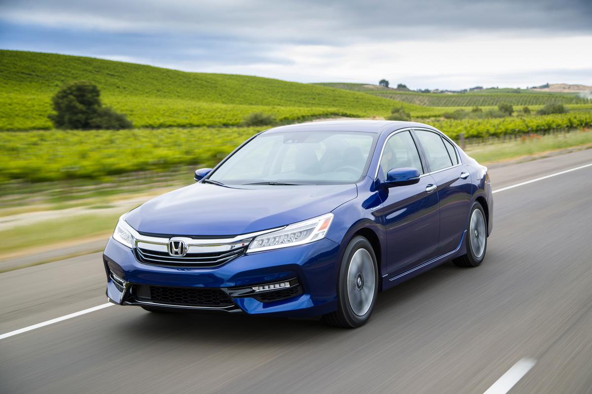 Вweb-сети появилось первое официальное фото нового Хонда Accord
