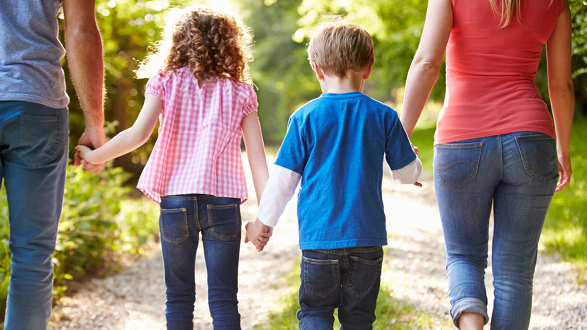 Отличные отношения сотцом понижают риск ожирения— Психологи
