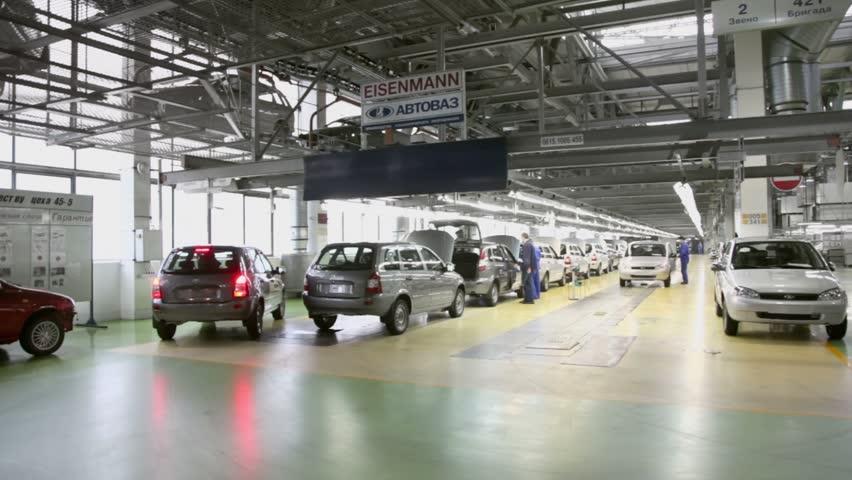 «АвтоВАЗ» планирует в2017 году нарастить производство на21%