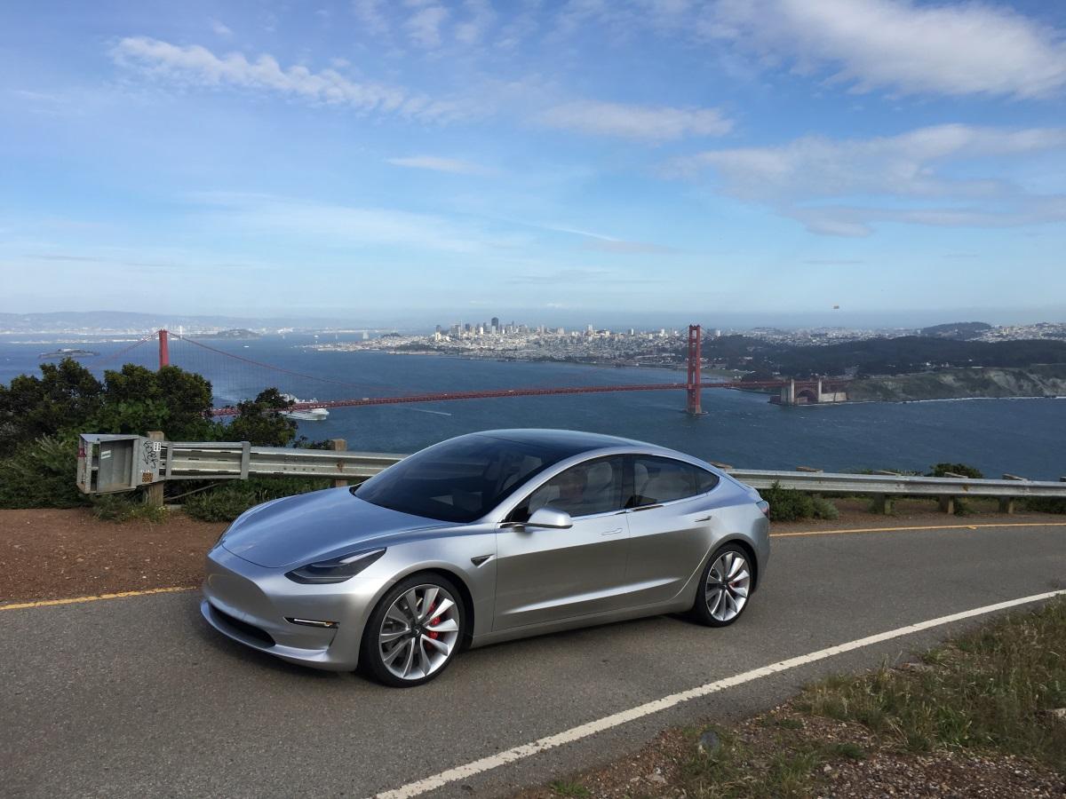 Илон Маск готов объявить овыходе нового электромобиля Tesla