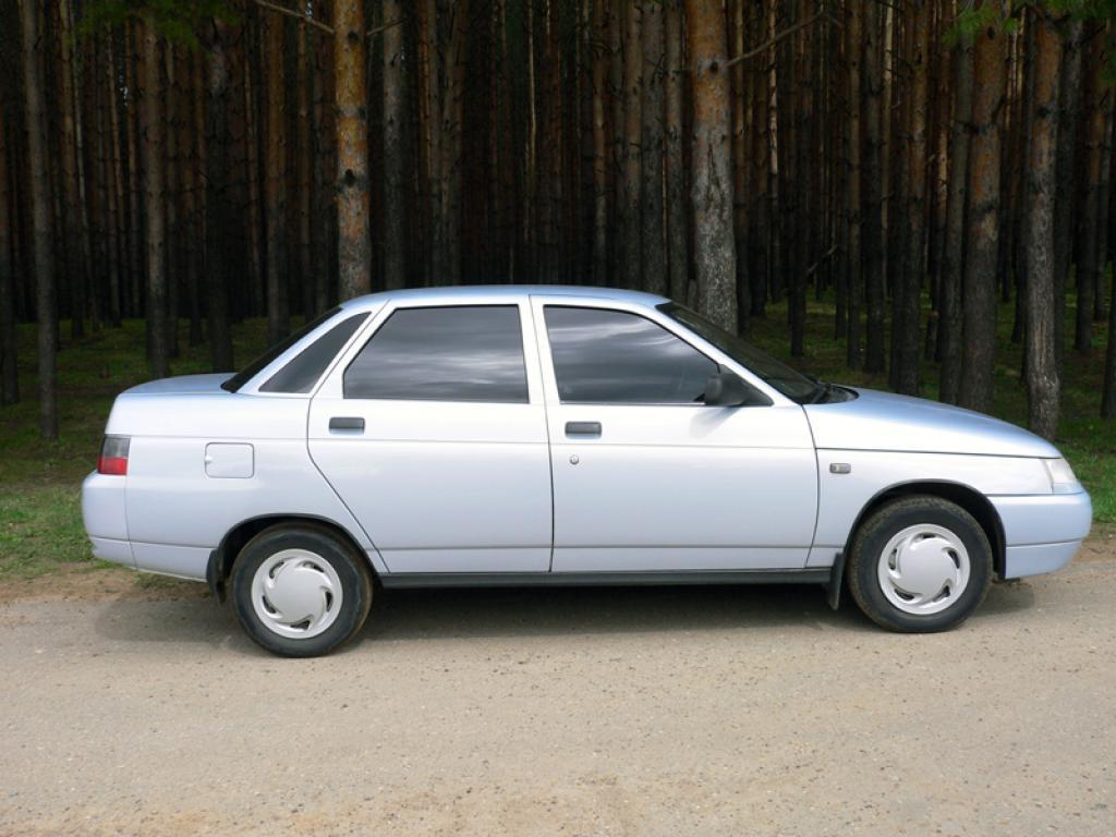 Специалисты назвали три наилучших автомобиля за100 тыс. руб.