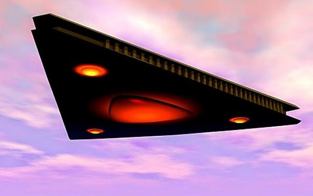 Камеры МКС засняли в космосе пролетающее НЛО