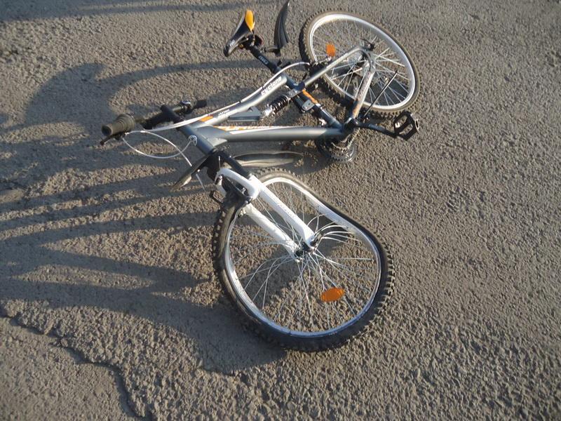 ВПерми полицейский наслужебном автомобиле сбил велосипедиста