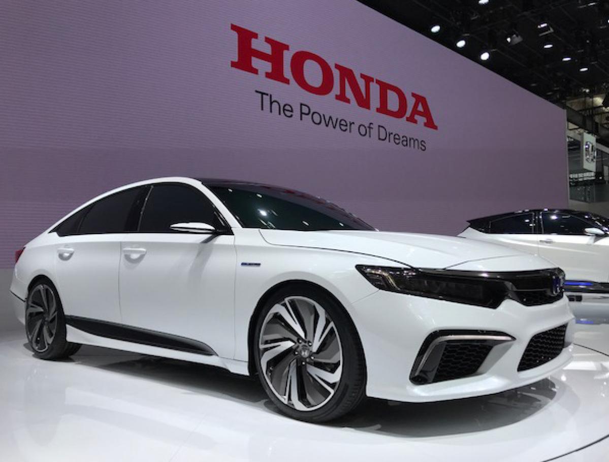 Хонда назвала время старта продаж седана Inspire обновленного поколения