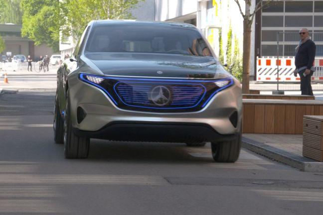 Электрический кроссовер Mercedes Benz EQC дебютирует 4 сентября
