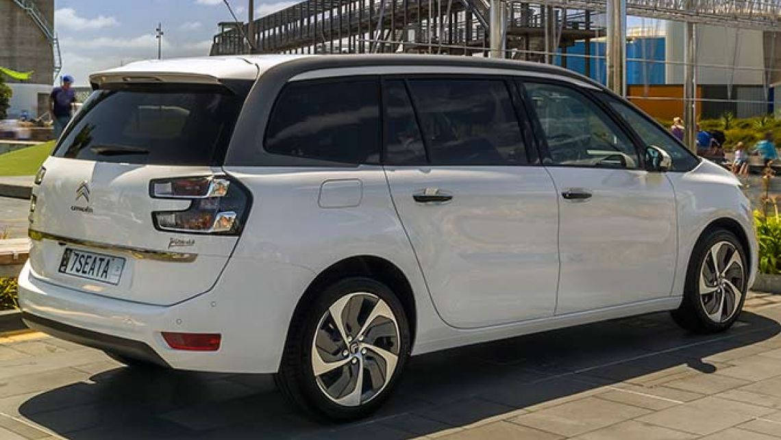 Ситроен поставит 300 авто столичному такси «Т-Плюс»