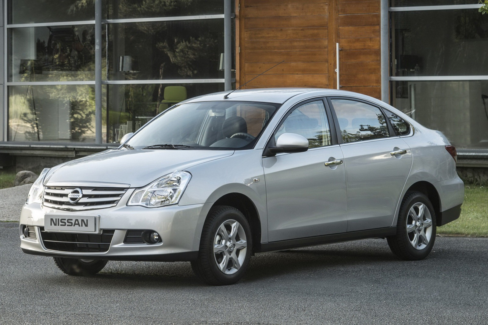 Ниссан соктября свернет производство седана Almera на«АвтоВАЗе»
