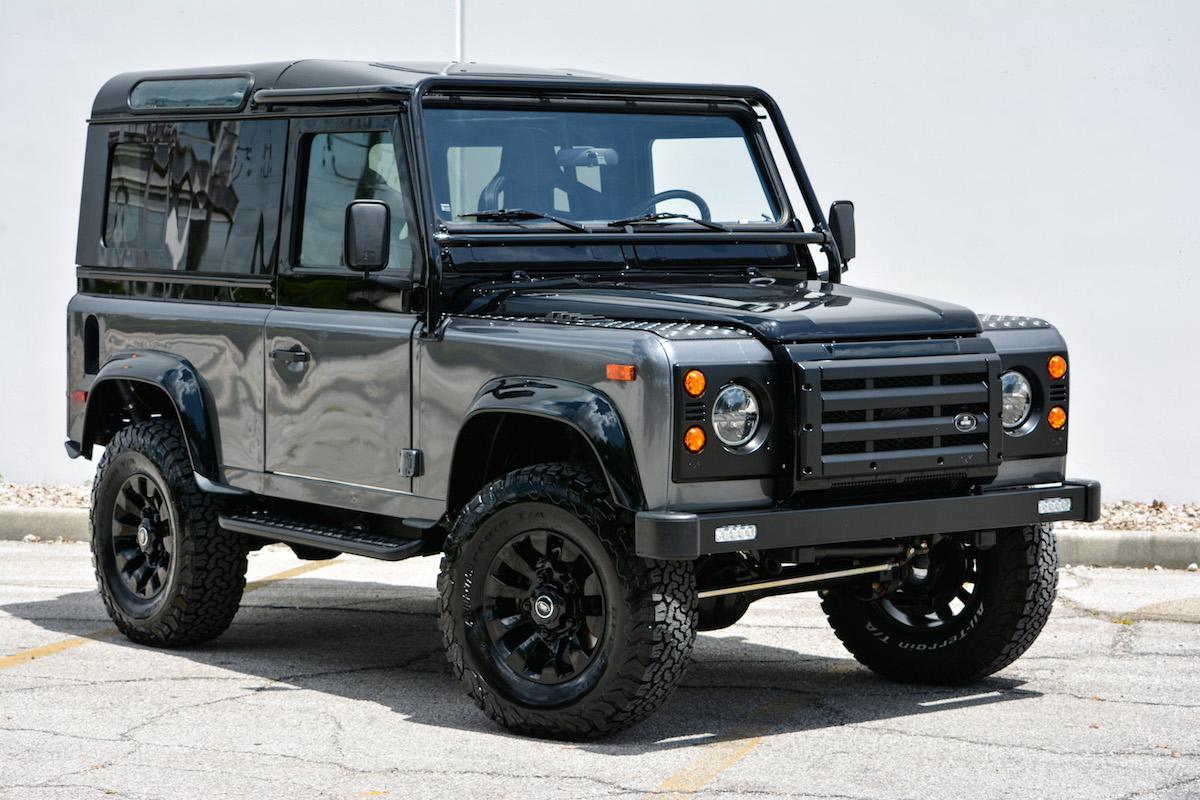 Новое поколение Land Rover Defender появится в 2020 году