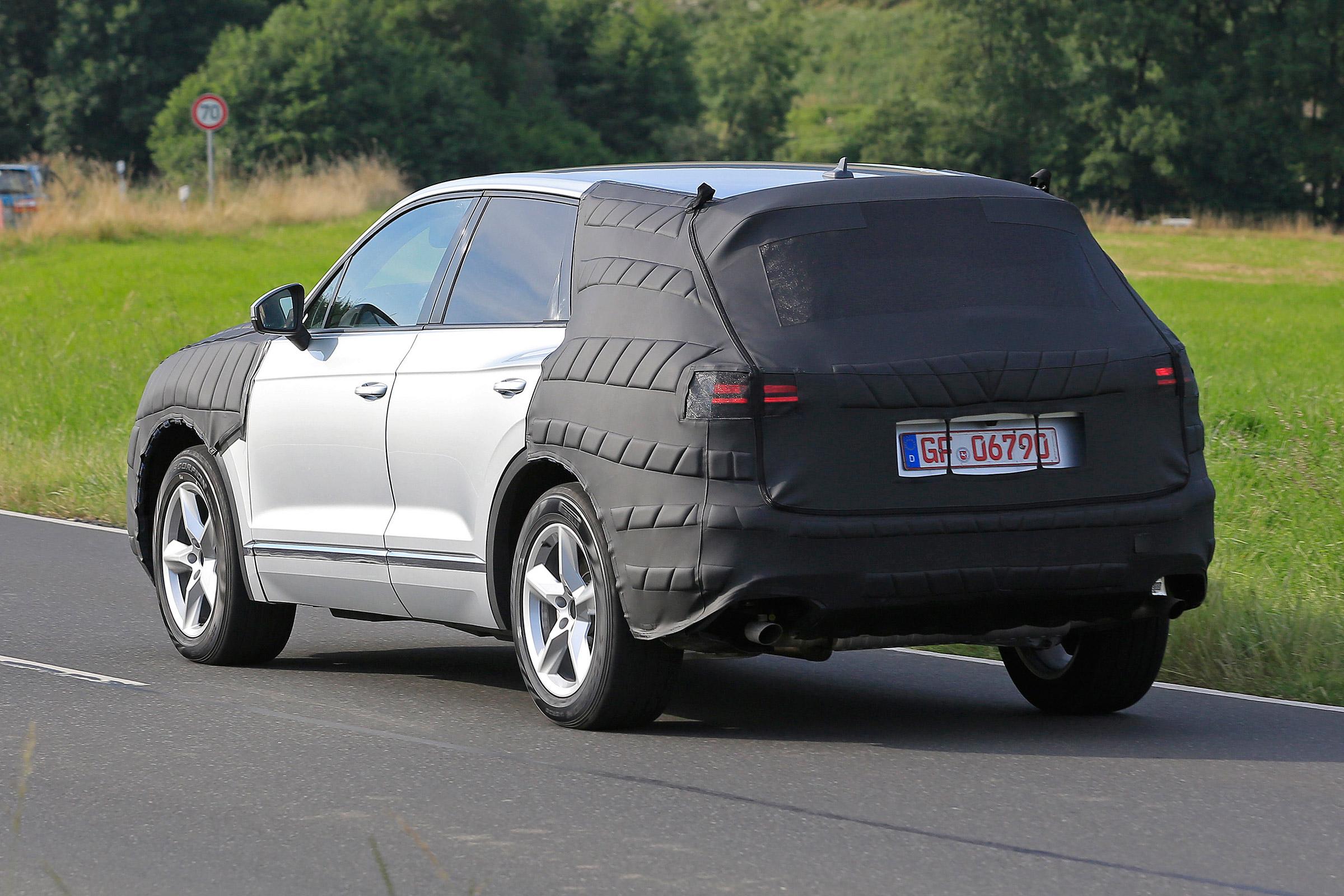В Китае запечатлели новую генерацию Volkswagen Touareg