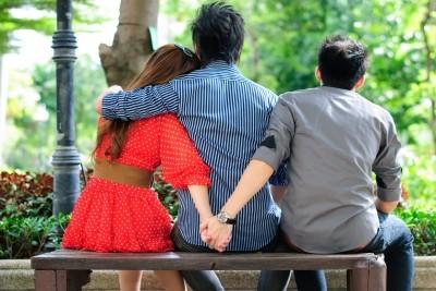 Супруги изменяют, так как нервничают— Ученые