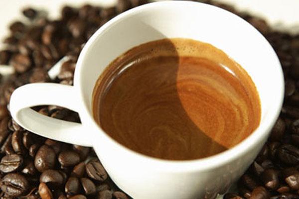 Какая порция  кофе может уничтожить  человека?