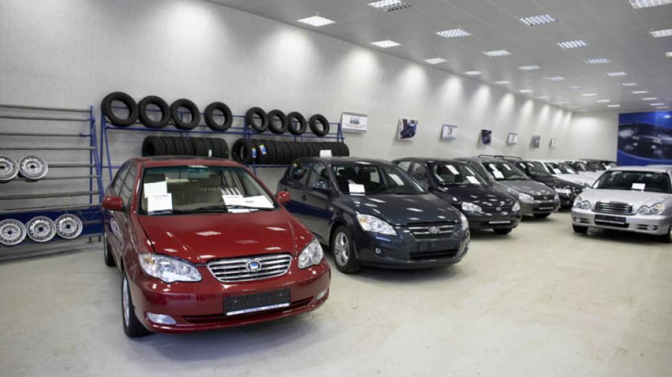 Сначала года россияне потратили напокупку авто около 1 триллиона рублей