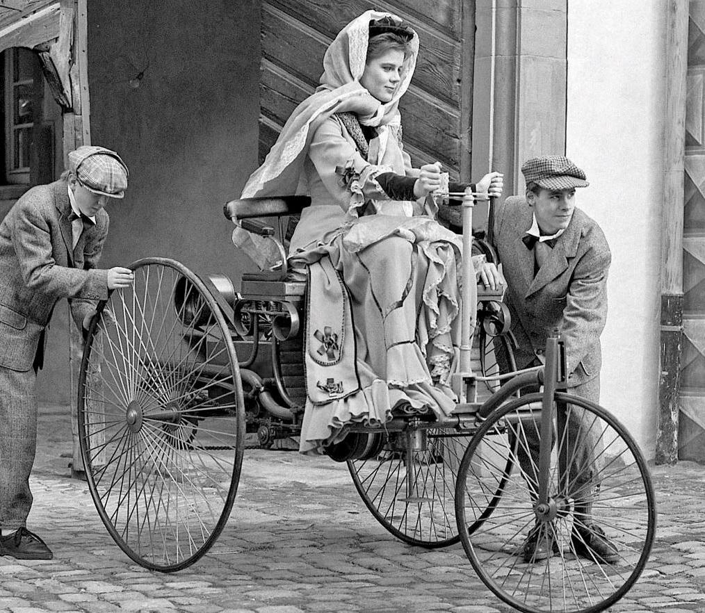 Воссоздана первая вмировой истории поездка наавтомобиле