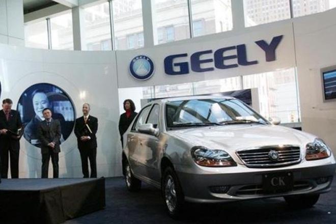 В КНР показали первые фото интерьера джипа Geely L