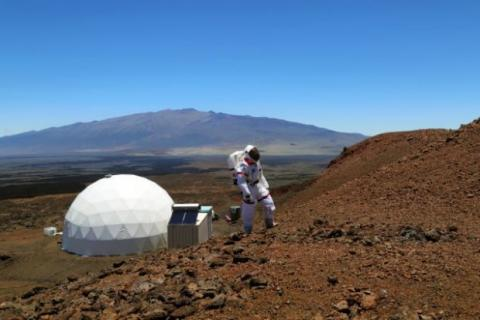 Вернулись сМарса: участники космического опыта год жили навулкане