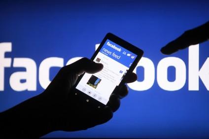 Facebook изменил механизм трендинга популярных новостей