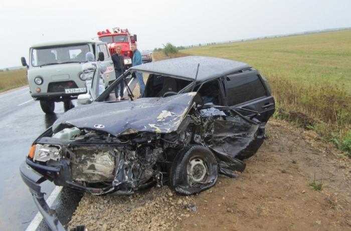 ВКикнурском районе шофёр ВАЗа умер при столкновении сКамАЗом