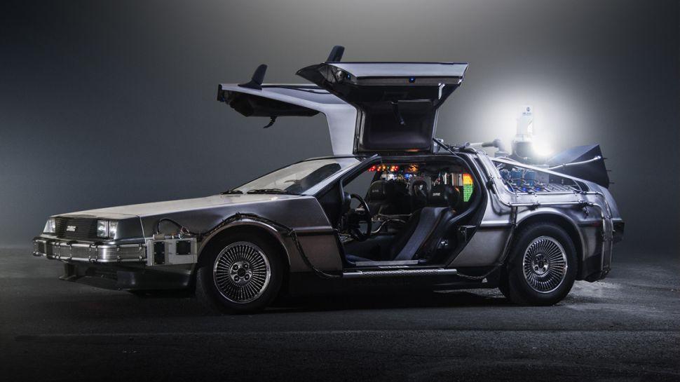 DeLorean возобновит производство «машины будущего»