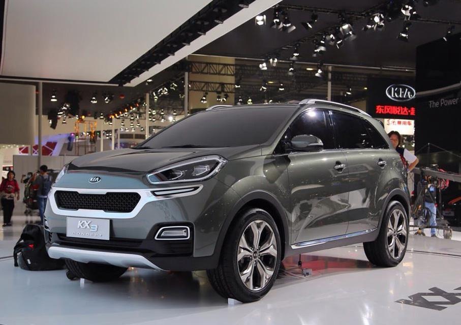 Киа официально представила улучшенный KX3 для Китая на автомобильном салоне вЧенду