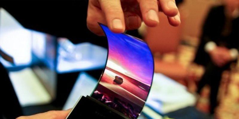 Гибкий дисплей от Samsung появится в 2018 году