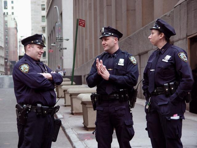 ВСША полицейские нелегально пользовались служебными базами данных