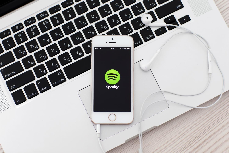 Музыкальный стриминговый сервис Spotify ведет переговоры о закупке германского конкурента SoundCloud