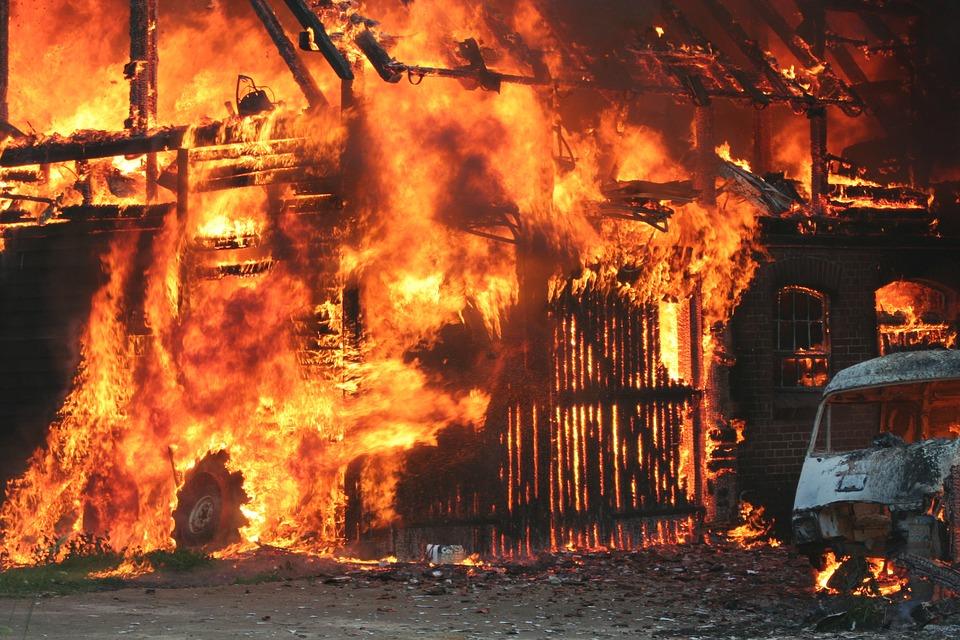 ВВоронежской области впожаре вдоме погибли двое мужчин