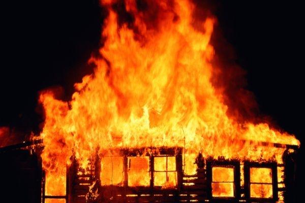 ВОмске наТелевизионке живьем сгорели мужчина иженщина