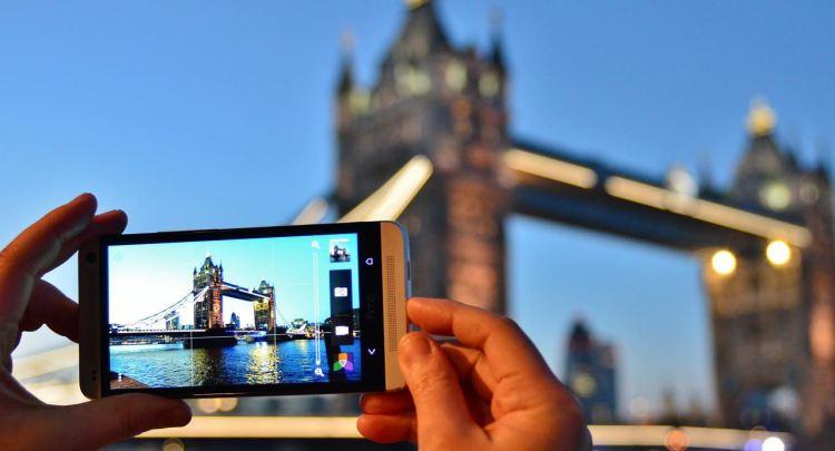 Официальные изображения Android-смартфонов Pixel 2 иPixel 2 XL