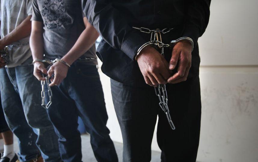 Двое граждан села Манилы предстанут перед судом заизнасилование несовершеннолетней