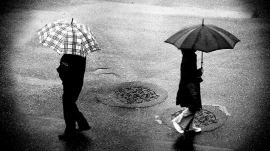 Психологи узнали, как безболезненно распрощаться сбывшими партнерами