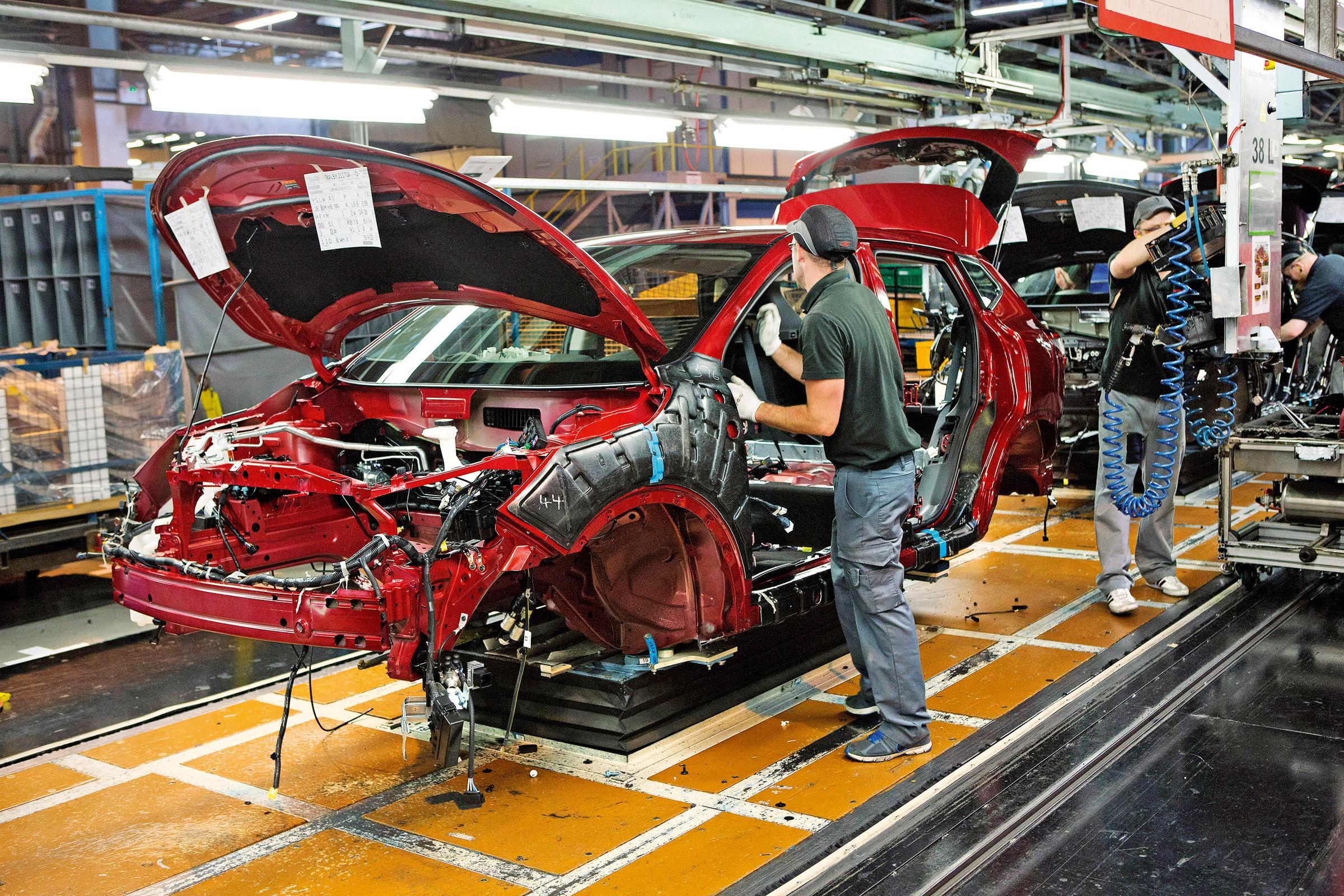 Завод Ниссан вПетербурге ссамого начала года выпустил 32 тысячи машин