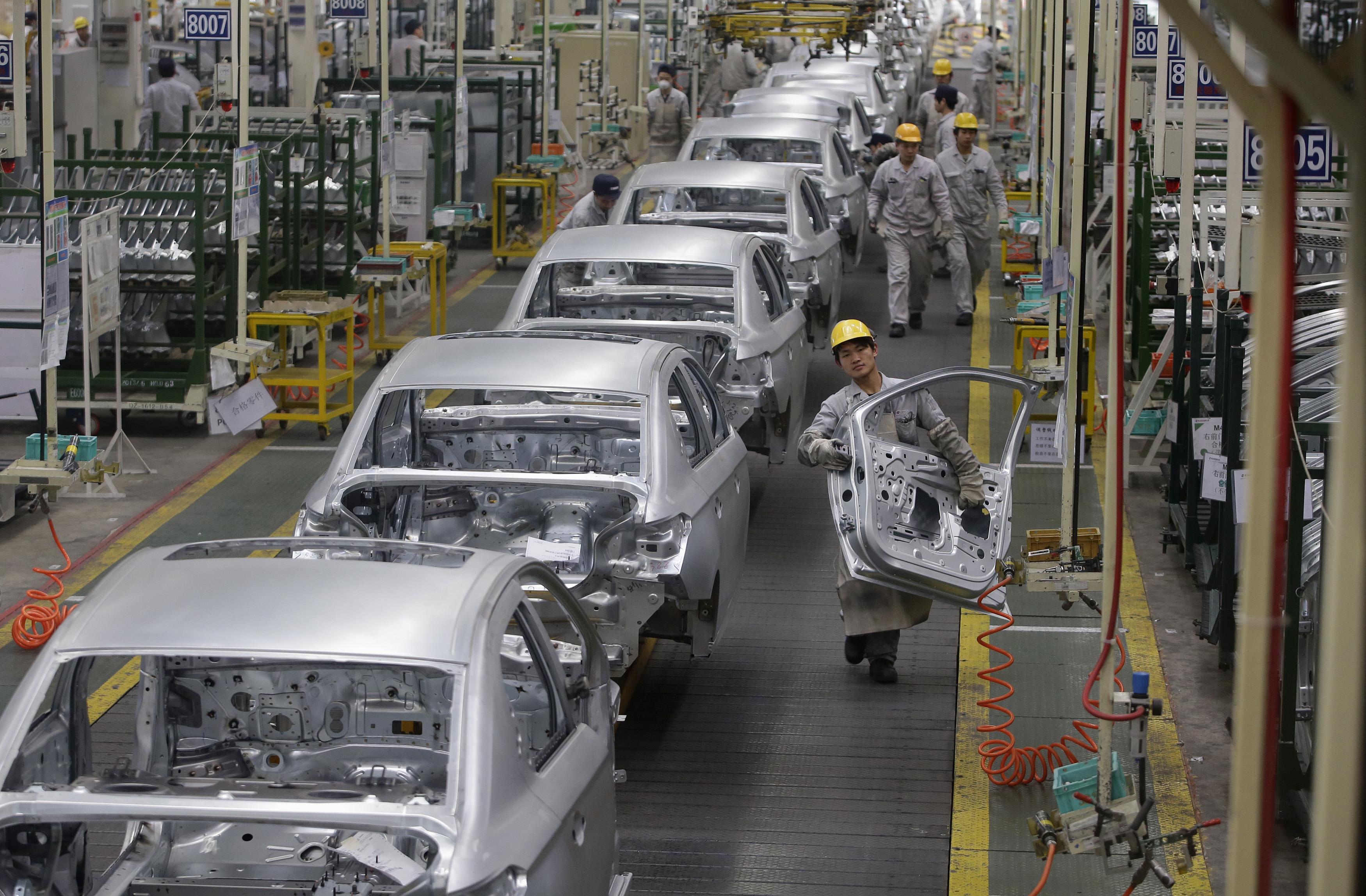Выпуск легковых автомобилей в Российской Федерации всередине сентября вырос на21,4%