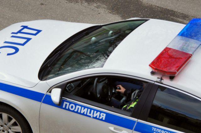 ВПетербурге нетрезвый нарушитель протаранил полицейскую «Ладу»