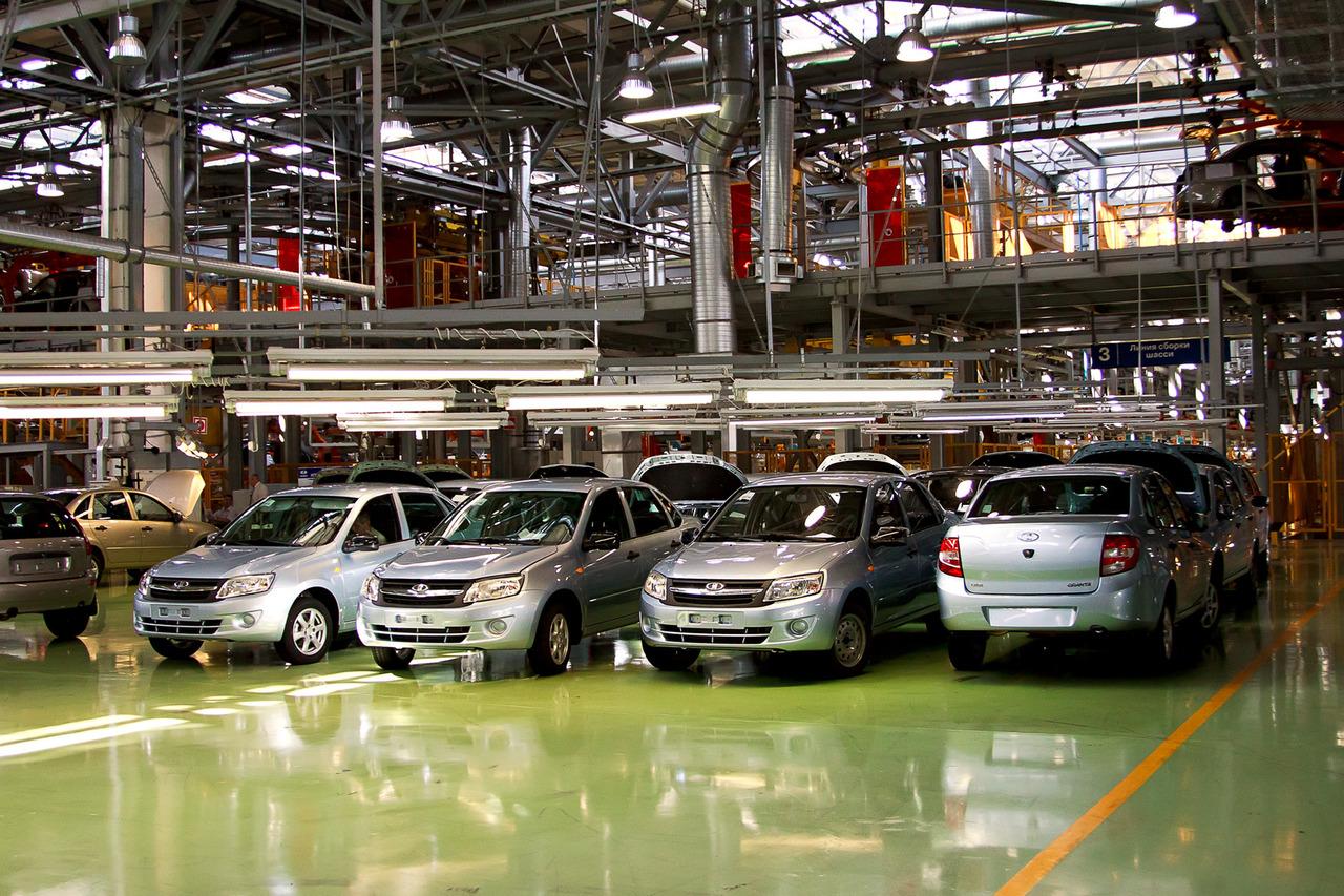 Названы самые известные марки авто в Российской Федерации