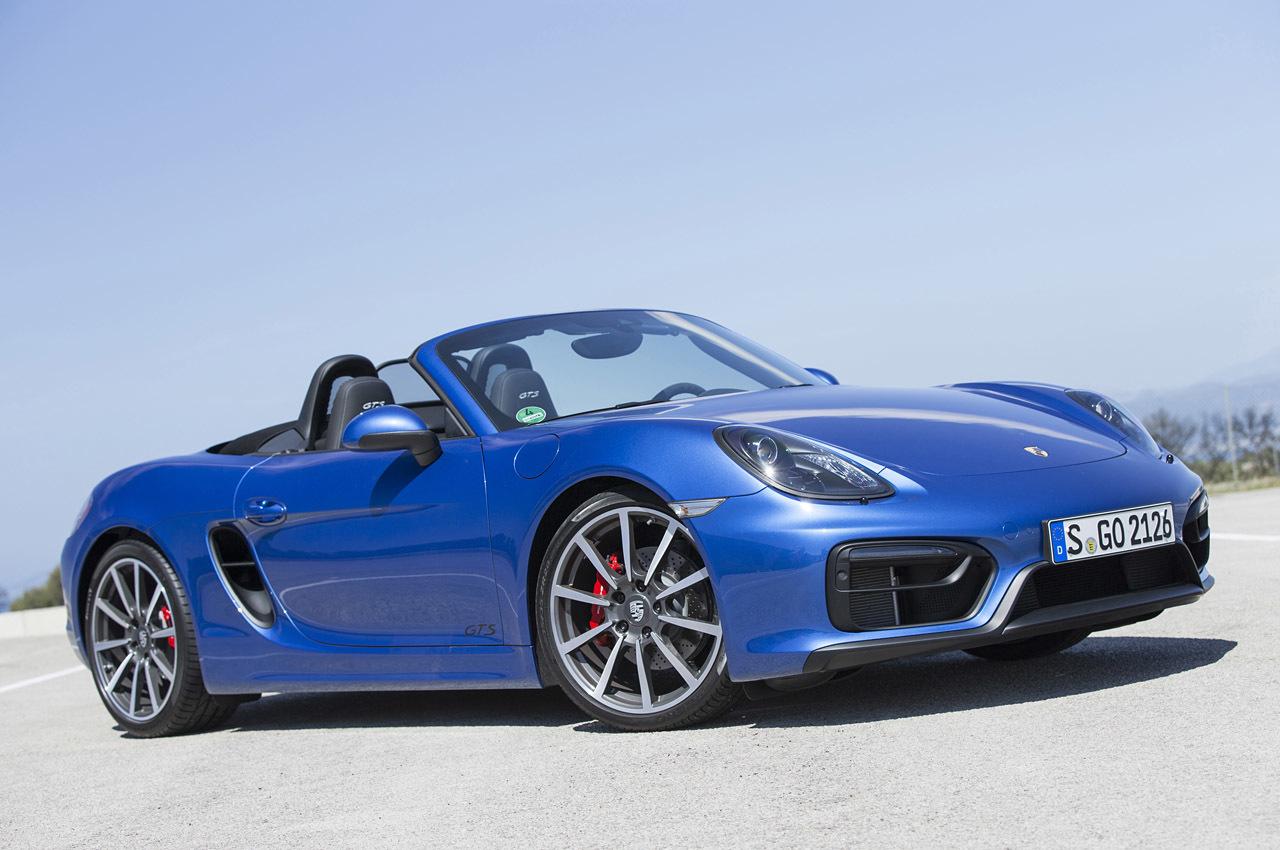 Porsche выпустил GTS-версию моделей 718 Boxster и 718 Cayman
