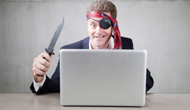 Большинство граждан России выбирают пиратский контент— Опрос
