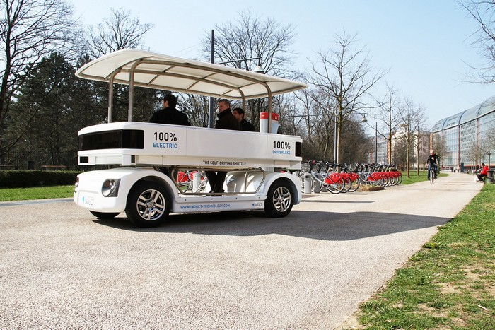 Власти Сингапура тестируют беспилотные автобусы