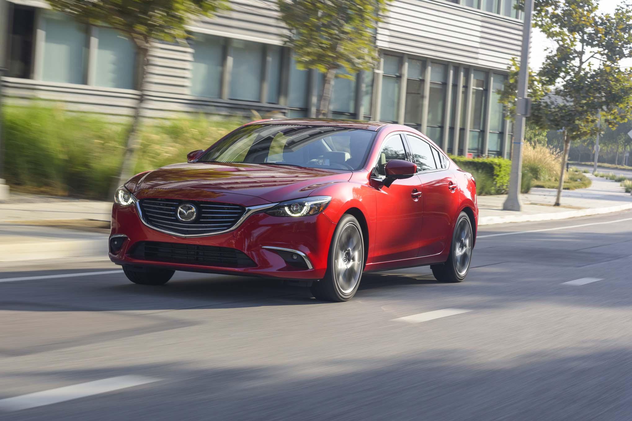Появились фотографии обновленной Mazda 6