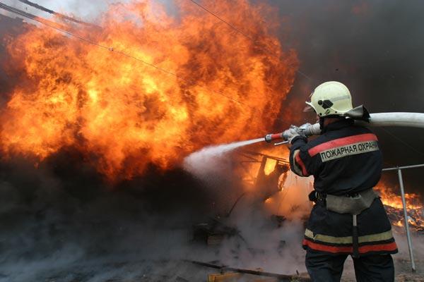 Ученые: Пожарные часто страдают отрака из-за оседания золы наихкоже