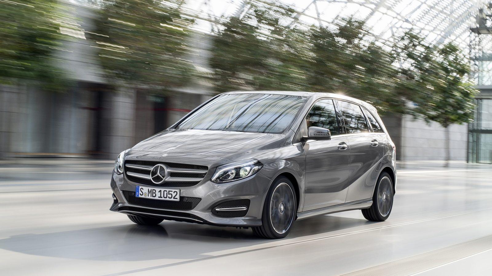 Benz B-Class обновленного поколения засняли на уличных тестах