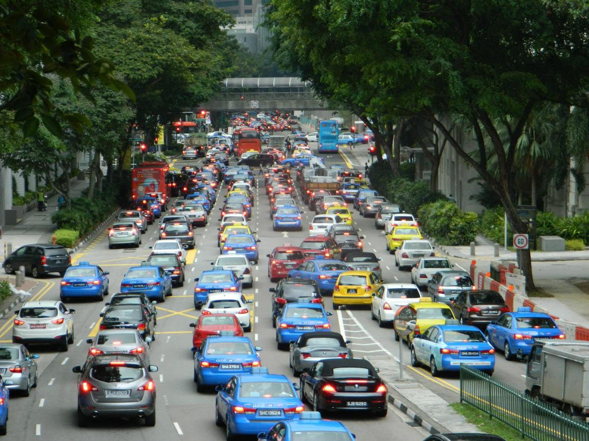 Сингапур запретит регистрацию новых авто